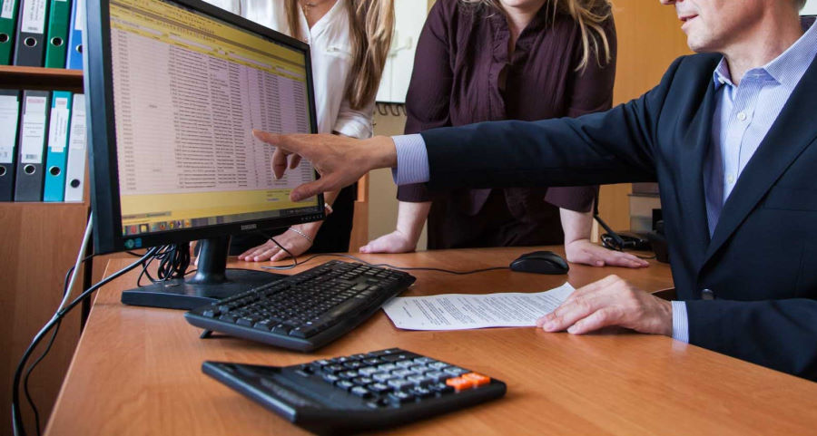 На каких основаниях проводится камеральная налоговая проверка?